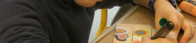 La magie du tissage : métier à tisser des couleurs